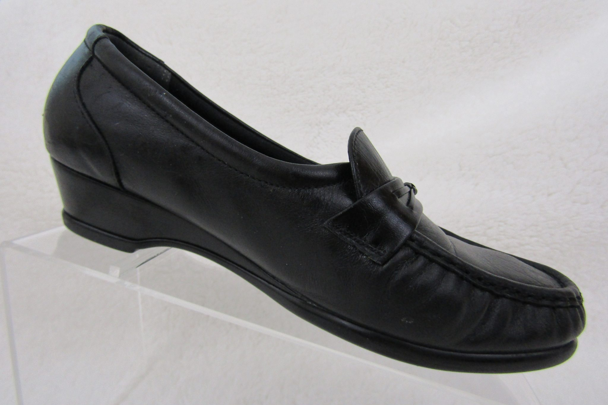 6b99805af2f WOMENS SAS USA W BLACK LEATHER SLIP-ON LOAFER SHOES 7.5 Wide Miriam s  Boutique.